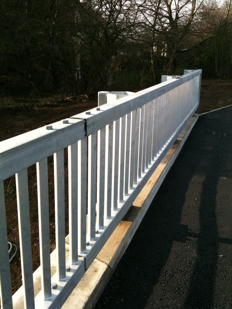 Brick Guard Rail : Manufacture maintenance and repair of vehicle parapets